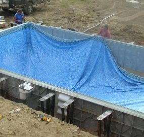 selecting the best vinyl swimming pool liner